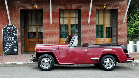 Ed Hughes' 1948 Willys VJ2 Jeepster