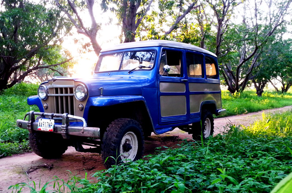 Giover Mirabal's 1955 Willys Wagon 4x4