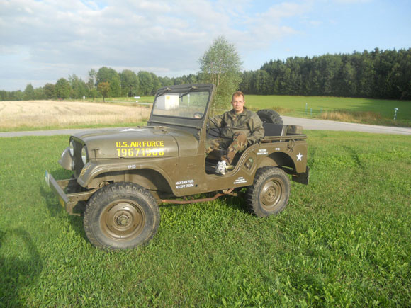Martin Decarli's 1967 Swiss Army CJ-5