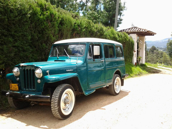 Alejandro Balaguera's 1955 Willys Station Wagon